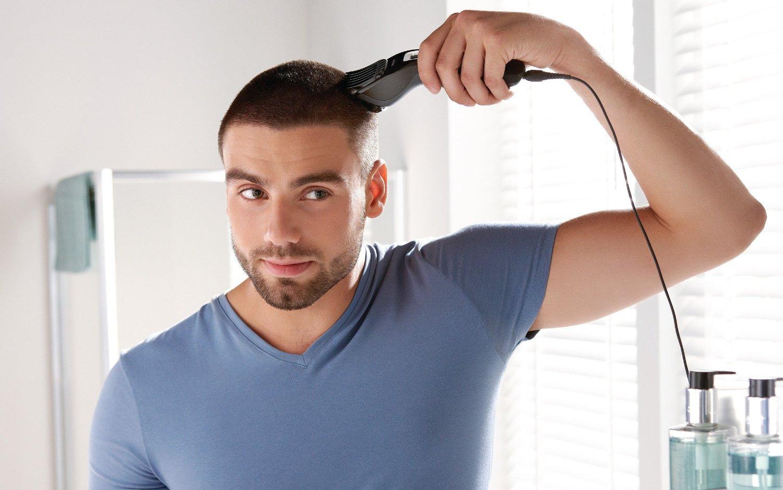 Coupe de cheveux homme court tondeuse