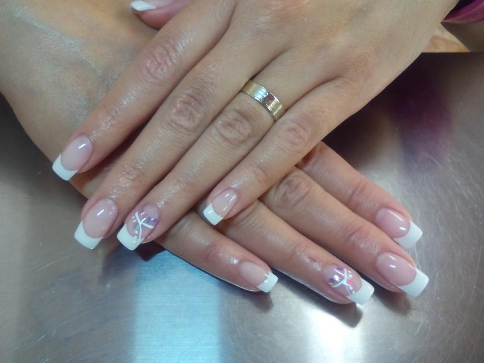 Astuces pour bien poser les ongles en résine