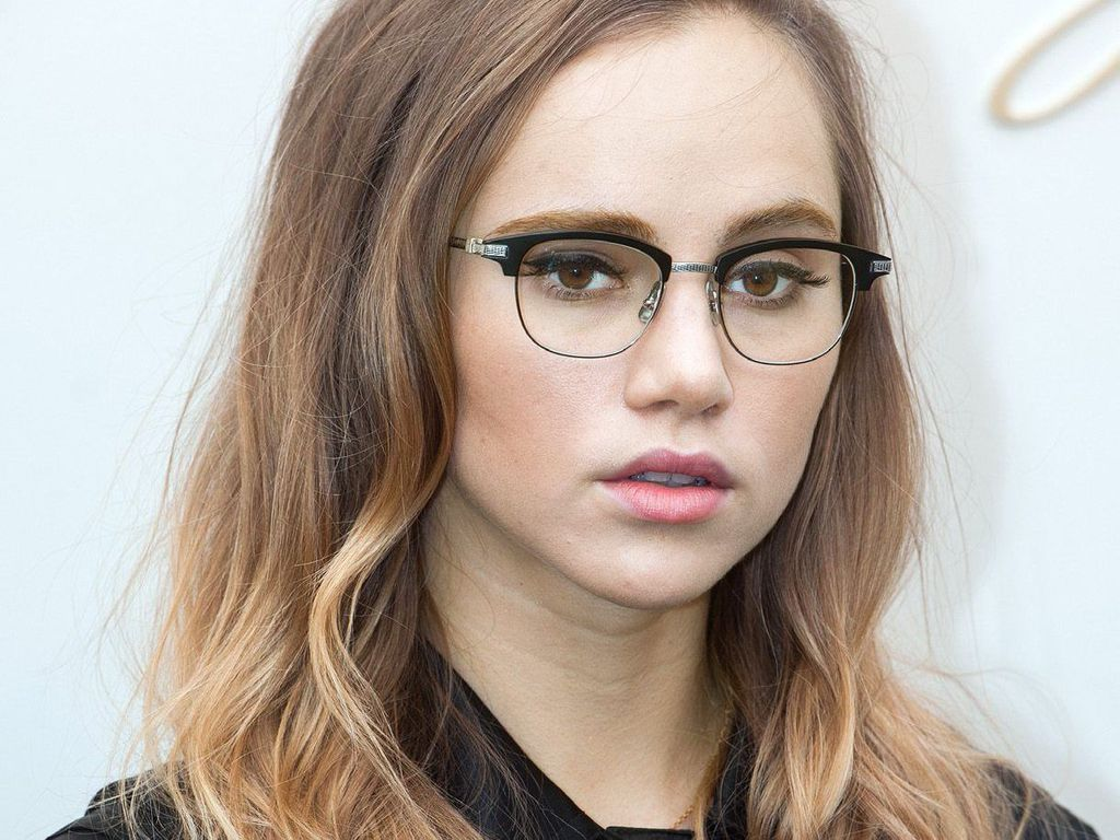 6390704aad Les lunettes de vue, les styles variés et la personnalité - Rose a dit